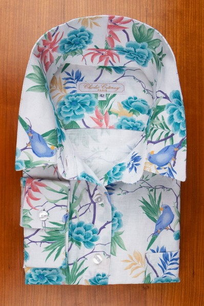 LINEN AND COTTON, FLOWERS AND PARAKEETS ON WHITE 135,00 €