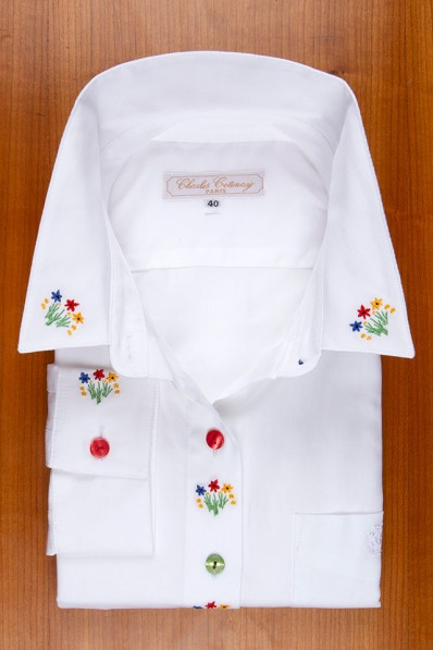 SMALL BOUQUETS EMBROIDERED 135,00 €